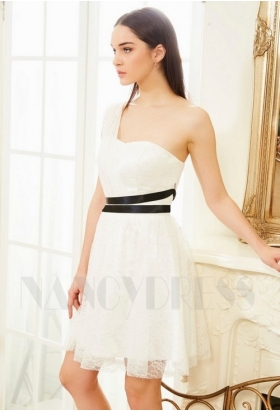 robe de cocktail blanc court