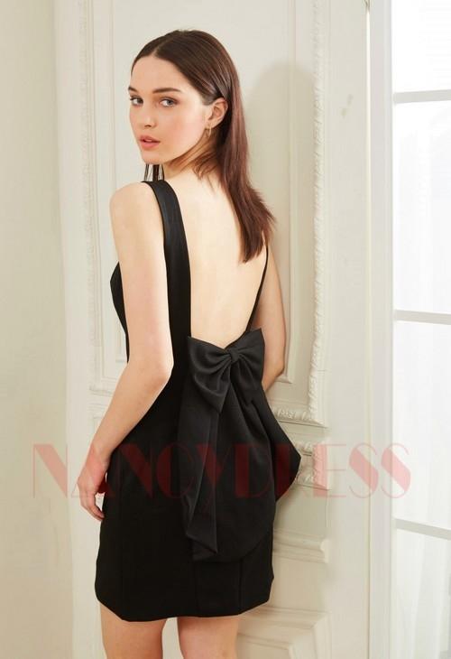 robe sexy noir courte