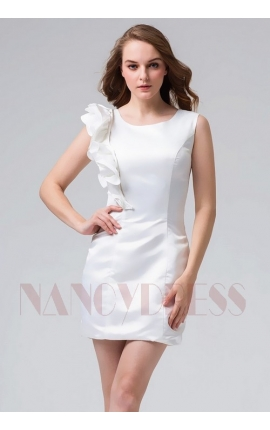 robe cocktail blanche courte moulante