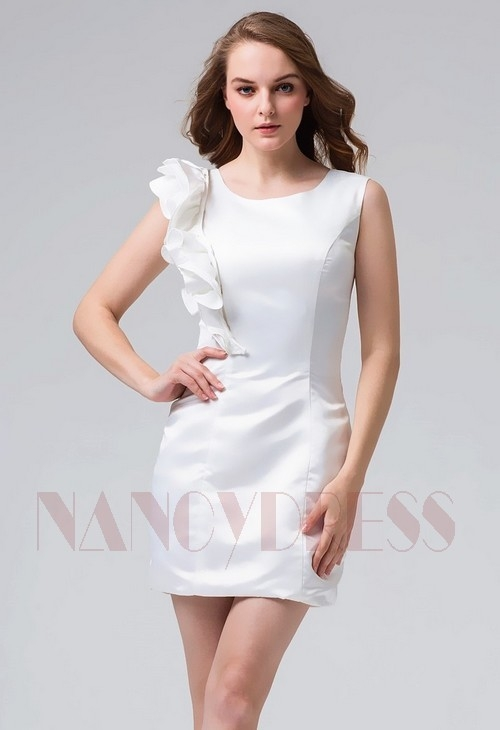c736dd0e69aab robe cocktail blanche courte moulante