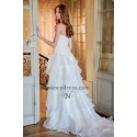 robe de mariée décolleté cœur à volants