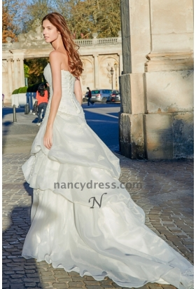 Robe de mariage pas cher bustier brodé